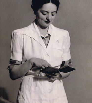 Ella-Bache-pharmacienne